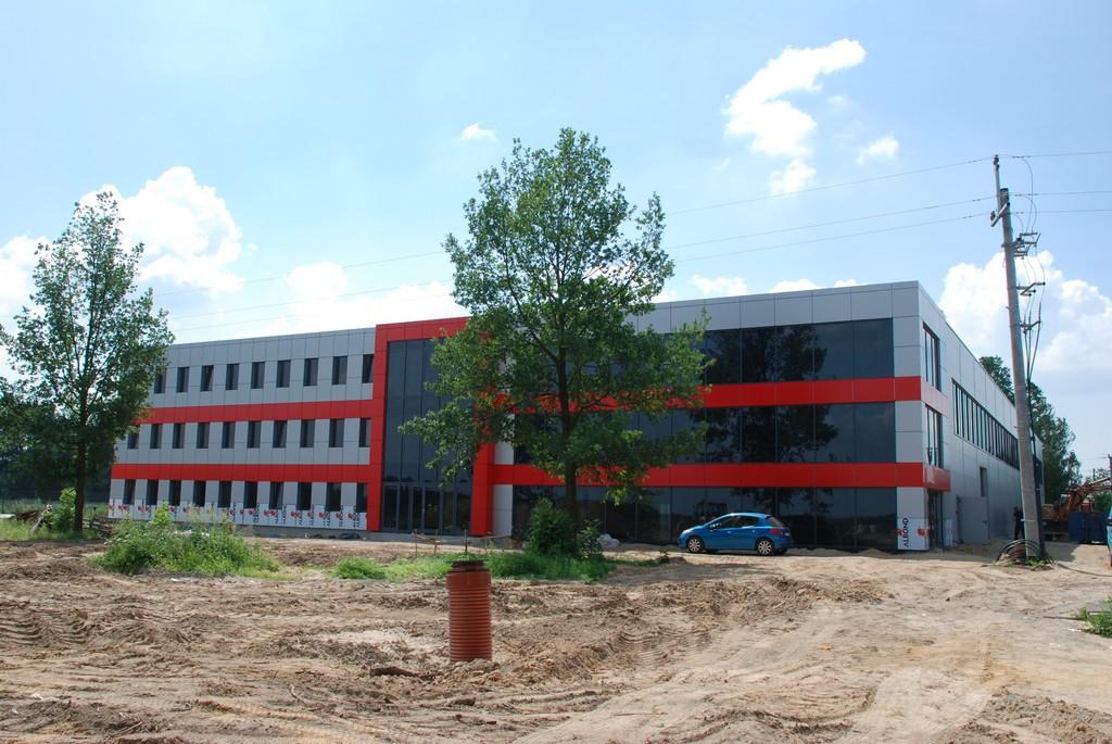 Budowa hali produkcyjnej z częścią biurową w m. Ostrówek.