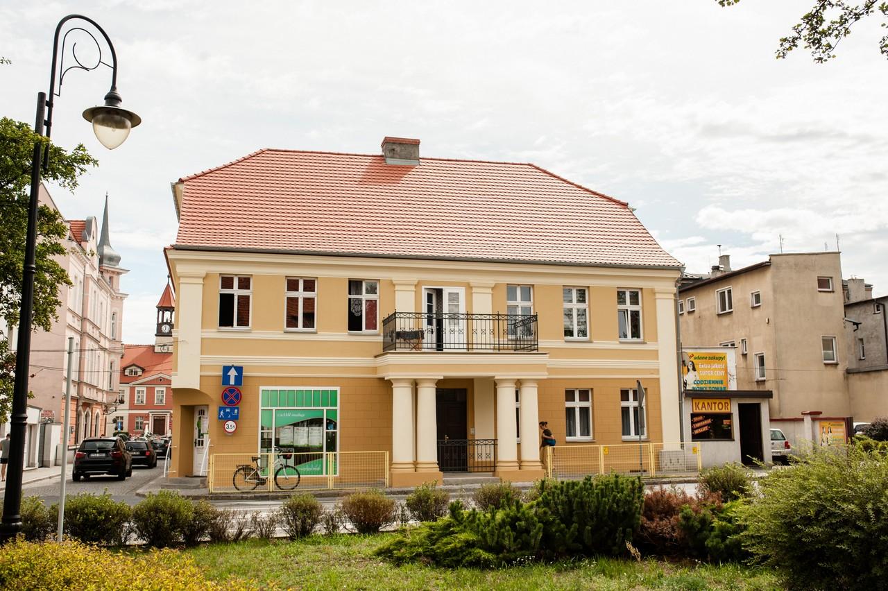 Remont elewacji zabytku przy ul. Kościelnej 2.